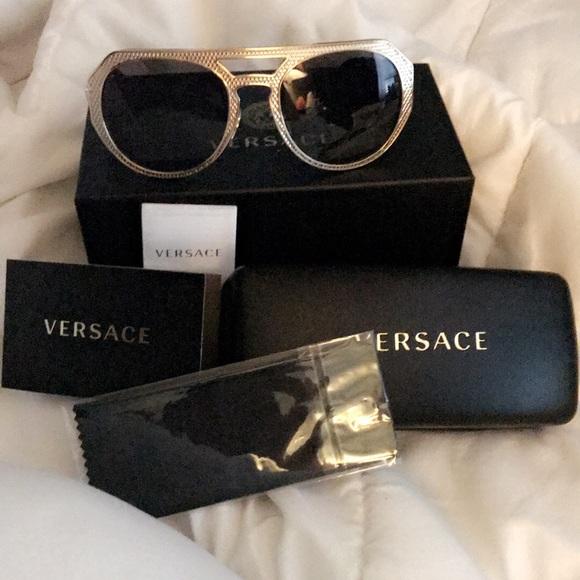 c81037fcf77 ⭐️New Authentic Versace sunglasses🌟